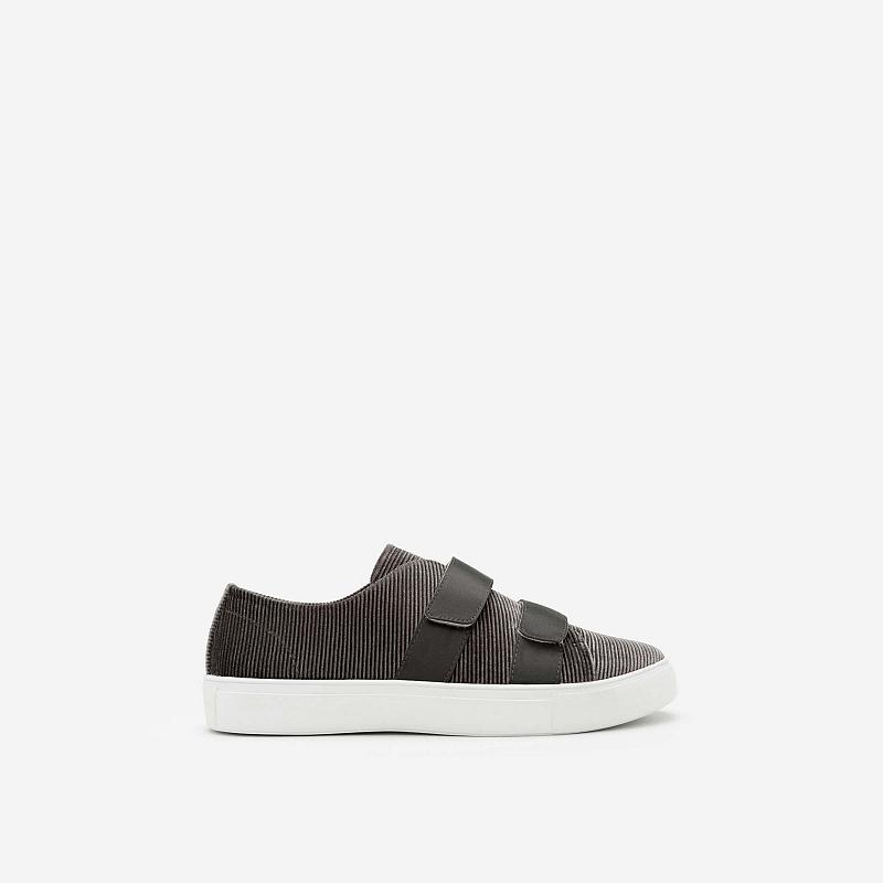 Giày sneaker nhung 2 khóa gài – SNK 0013 – Màu Xanh Rêu